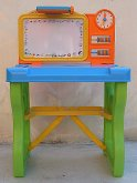 Dětský hrací stolek se světlem a magnetickou ta...