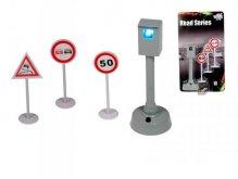 Dopravní značky a zvukový svítící radar