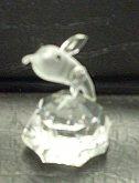 Delfín figurka skleněná čirá lep...