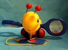 Včela tahací pro dítě plastová