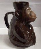 Džbán Opice baňatý keramický hnědý