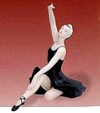 Baletka v šatně porcelánová socha 66