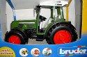 Traktor BRUDER značkový zelený